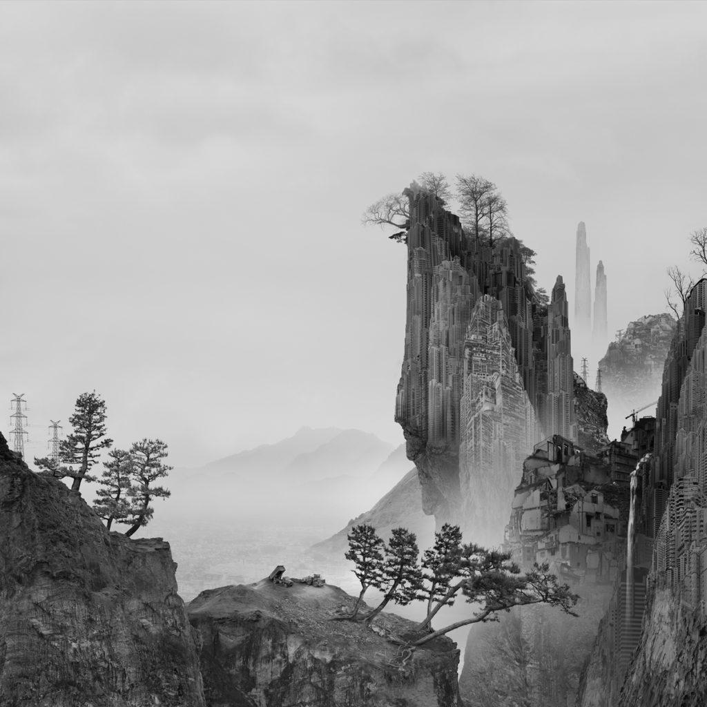 El artista chino Yang Yongliang se dedica a trabajar con la manipulación digital. En sus obras generalmente plasma paisajes que muestran las tradiciones chinas y caligrafía a través de la fotografía.
