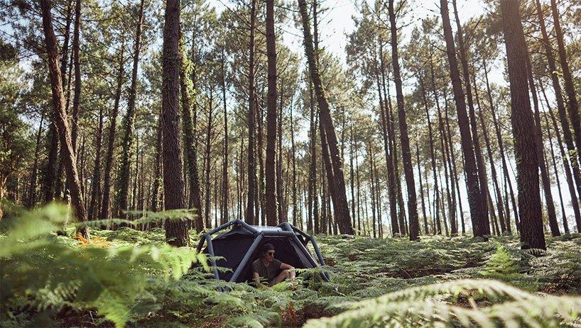 ARK es una tienda ecológica inflable que se une a través del inflado, tensión y compresión; su versatilidad permite que pueda ser adaptada a tus necesidades, desde usarla en el suelo o elevarla como una hamaca.